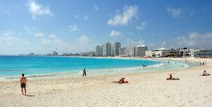 ¿Qué ofrece Cancún a los turistas?