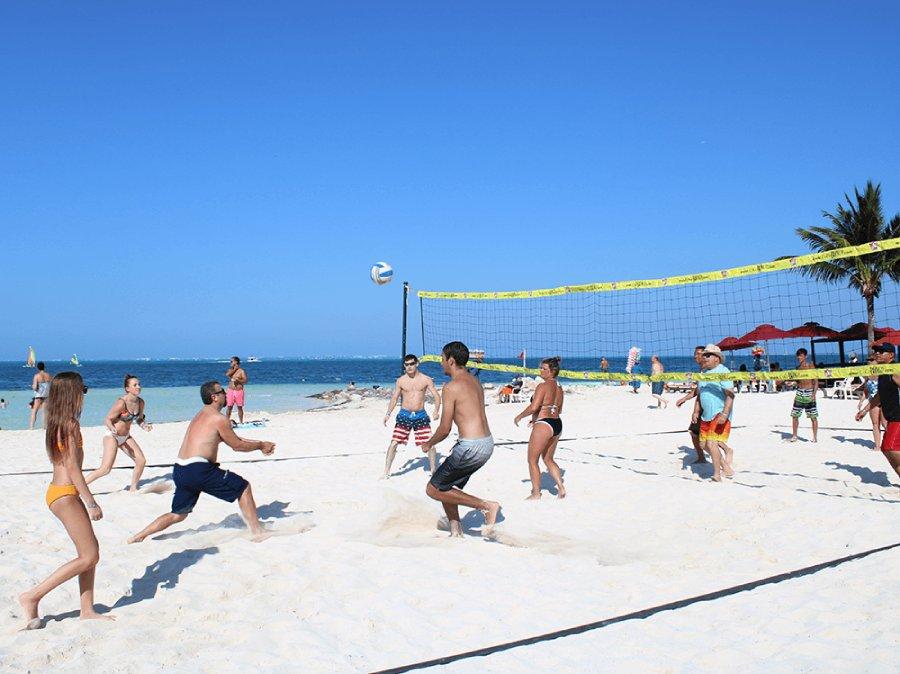 beach volleyball in cancun
