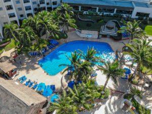 pools in hotel in cancun